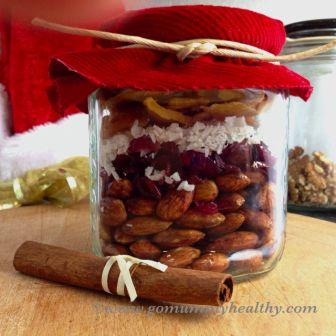 Christmas trail mix - healthy snack