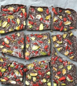 superfood chocolate bark recipe - Light make-ahead Christmas dessert